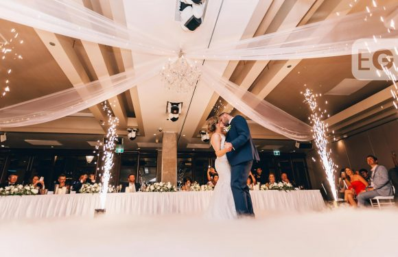 10 reasons why you should have a small wedding